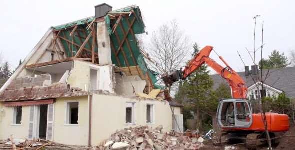 Usługi rozbiórkowe – wyburzanie starych budynków